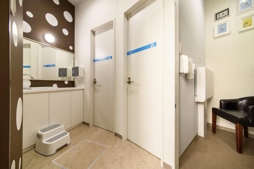 授乳室とトイレ